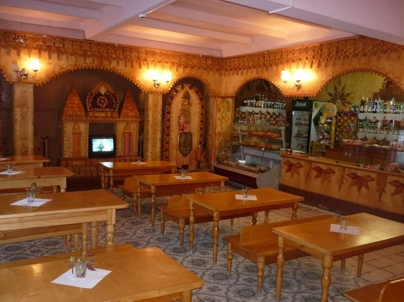 Внутри здания кафе