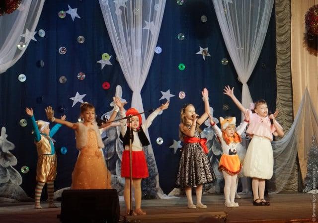 glavnaya-novogodnyaya-elka-v-maksatihe (26)