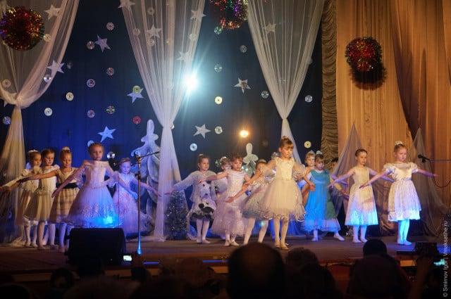 glavnaya-novogodnyaya-elka-v-maksatihe (29)