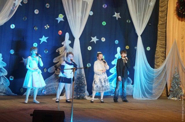 glavnaya-novogodnyaya-elka-v-maksatihe (31)