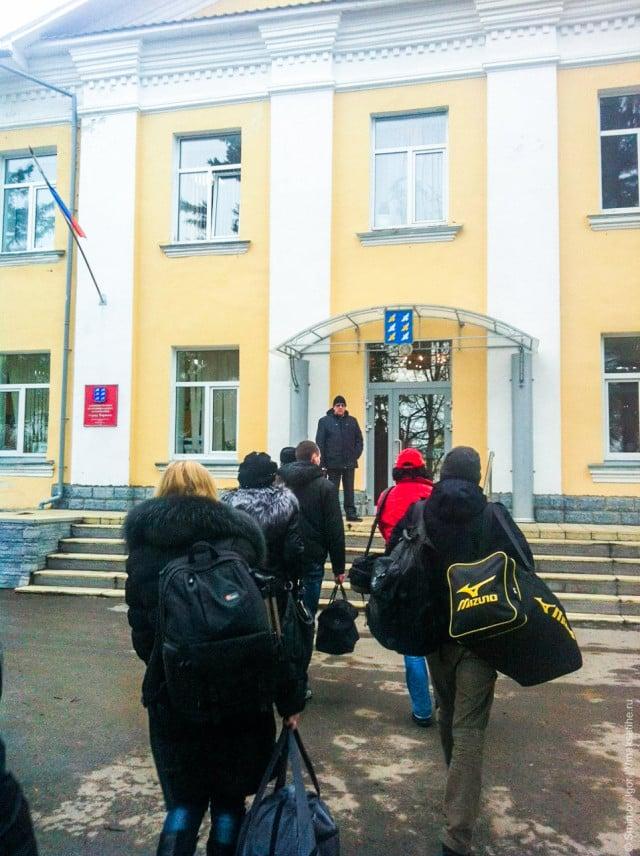 Блоггеры идут в администрацию города Торжок