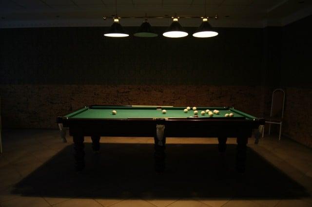 Бильярдный зал в ресторана Молога посёлка Максатиха