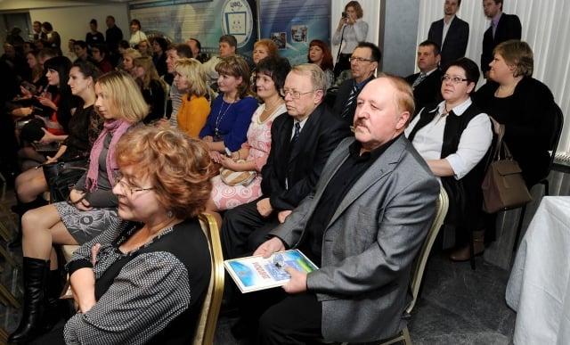 E-V-Ozerov-redaktor-gazety