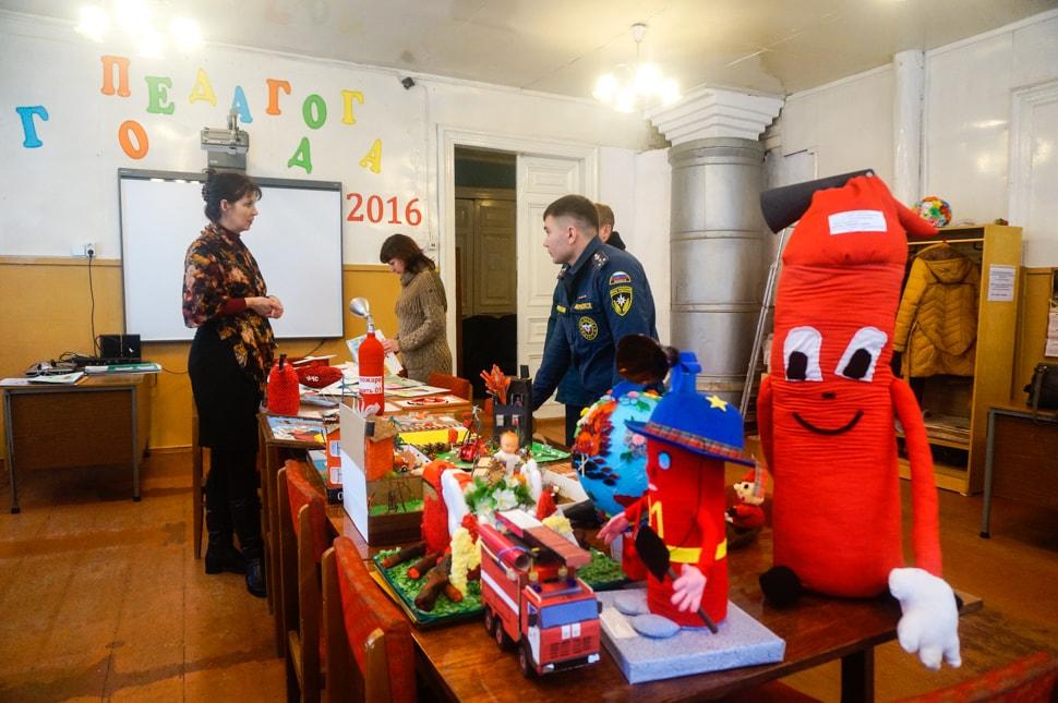 Выставка поделок по противопожарной безопасности