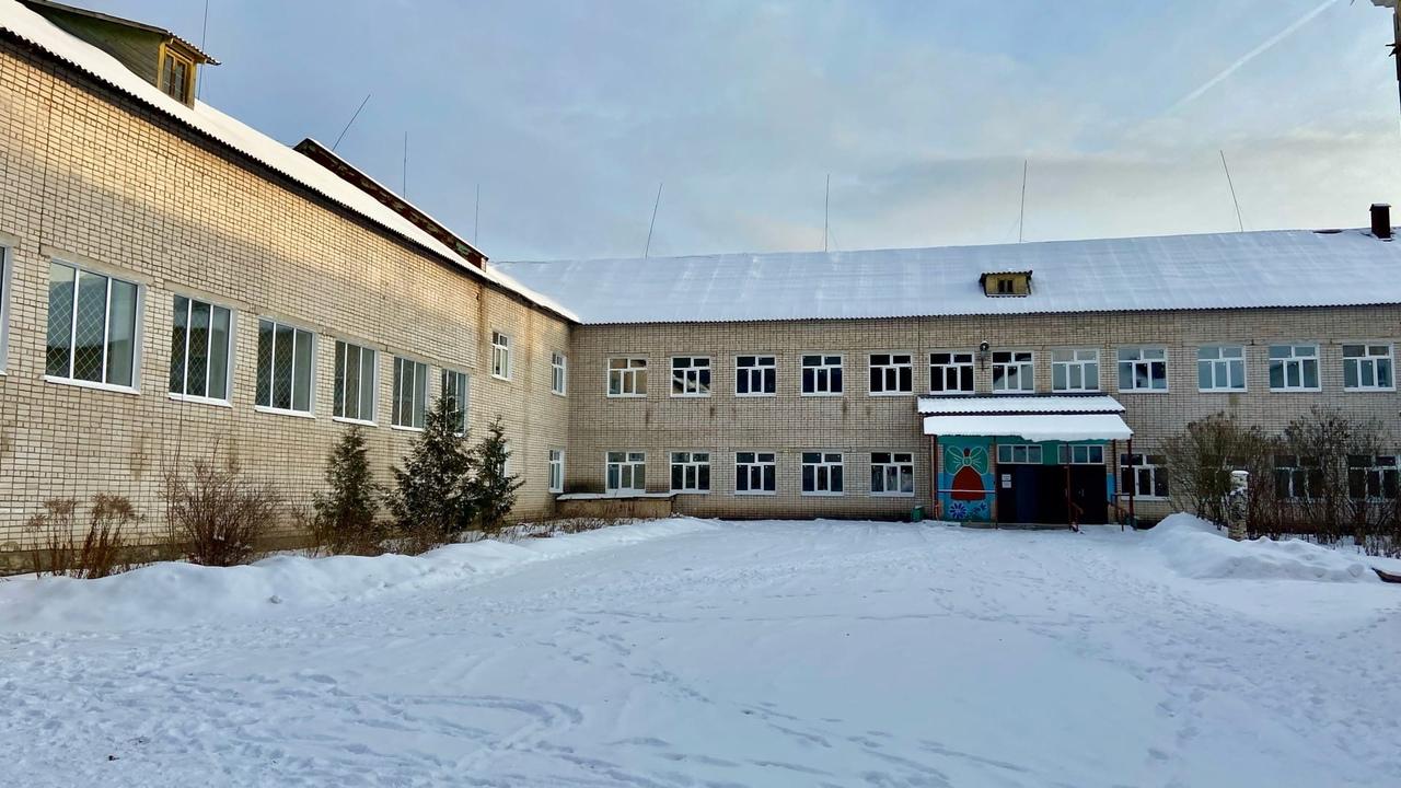 Замена окон в школе Максатиха